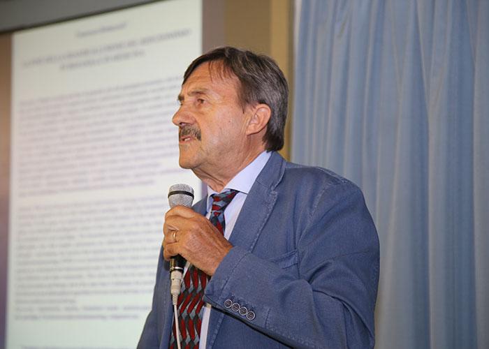 Francesco Bottacioli in occasione del convegno Epigenetica, Sviluppi Antropologici E Psicoterapia Della Gestalt, Siracusa, 10-11 giugno 2016